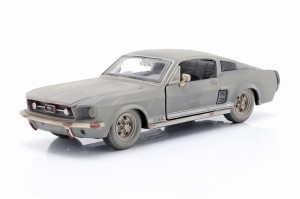 Ford Mustang GT 1967 Dirty version Maisto 1:24