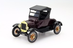 Ford Model T Runabout 1925 Motor Max 1:24