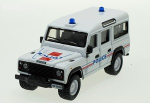 Land Rover Defender 110 Bburago 1:50