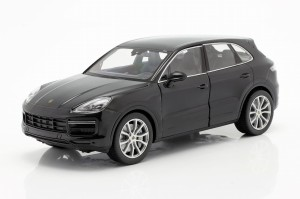 Porsche Cayenne Turbo 2018 Welly 1:24