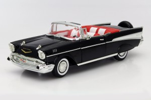 Chevrolet Bel Air Convertible 1957 Lucky Diecast 1:18