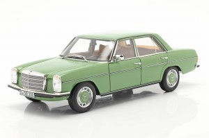 Mercedes-Benz 200 /8 W115 W114 Lifting 1973 Norev 1:18