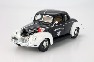Ford Deluxe 1939 Police Maisto 1:18