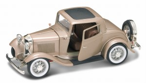 Ford 3-Window Coupe 1932 Lucky Diecast 1:18