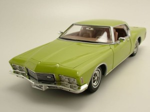 Buick Riviera GS 1971 Lucky Diecast 1:18