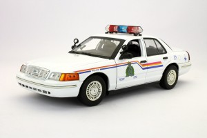 Ford Crown Victoria Royal Canadian Mounted Police 2001 Motor Max 1:18