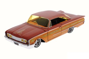 Ford Starliner 1960 Custom Shop Maisto 1:26