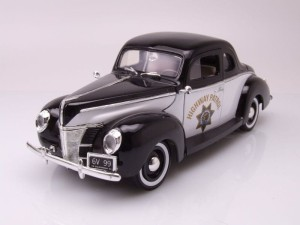 Ford Coupe Deluxe Police 1940 Motor Max 1:18