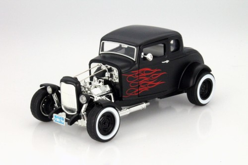 73172BK Ford Hot Rod 1932 Motor Max 1:18