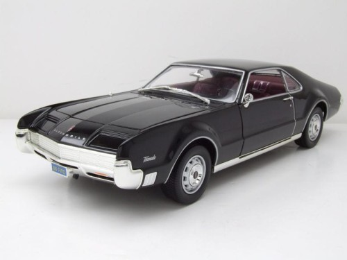 92718Bk Oldsmobile Toronado Hard Top 1966 Lucky Diecast 1:18